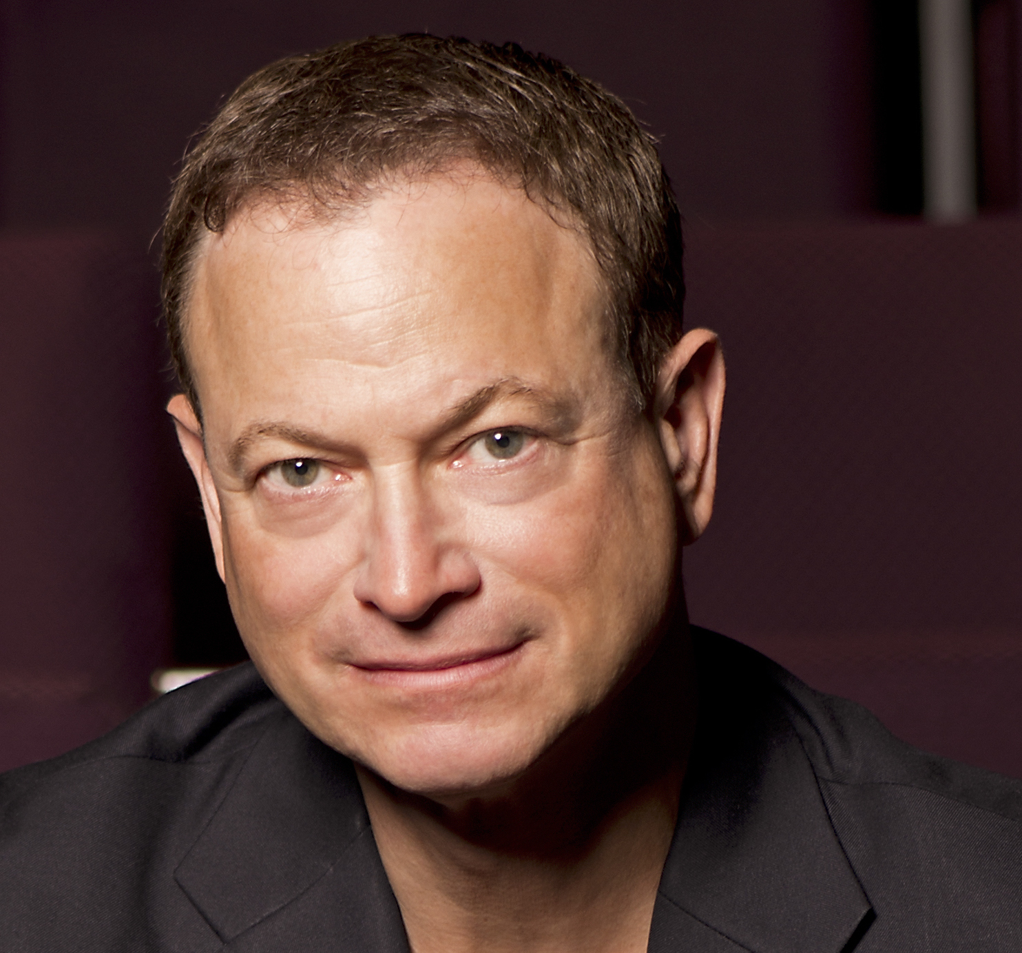 Sinise Headshot3 copy